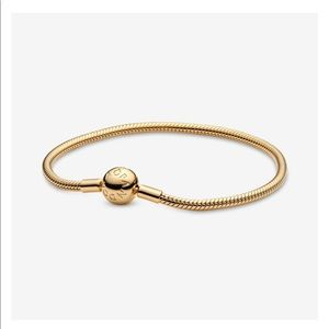 Authentic Pandora Bracelet- Smooth Shine Clasp
